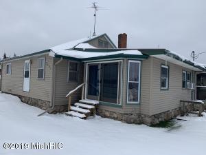 2393 20 Mile Road, Marion, MI 49665