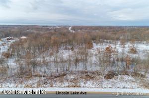 1775 Lincoln Lake Avenue, Lowell, MI 49331