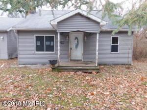 420 N Fifth Street, Burr Oak, MI 49030