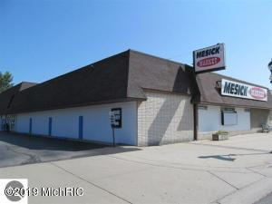 118 W Mesick Avenue, Mesick, MI 49668