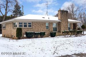 1940 Fruitwood Drive NW, Grand Rapids, MI 49504