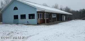 5706 E Old M-63, Luther, MI 49656