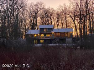 3776 W Bear Lake Road, Hillsdale, MI 49242