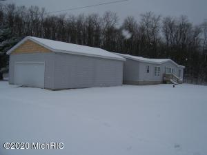 1365 Youngs Road, Orleans, MI 48865