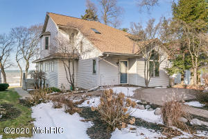 2435 N Lakefront Drive, Holland, MI 49424