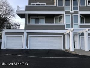 330 Lake Drive 19, New Buffalo, MI 49117