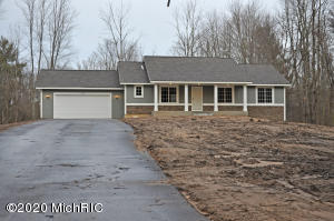 3435 Woodland Trail, Allegan, MI 49010
