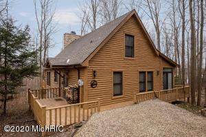 302 Hampshire Colony, Buchanan, MI 49107