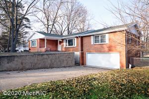 16563 Wilson Lane, Buchanan, MI 49107