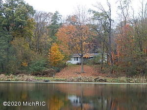 8330 Hilldale Road, Springport, MI 49284