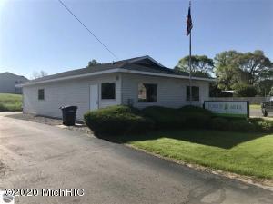 516 N Michigan Avenue, Manton, MI 49663
