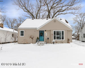 2306 Mills Avenue, North Muskegon, MI 49445