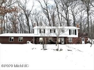 6355 W Pine Lake Road, Delton, MI 49046