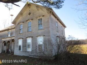 2572 S McClelland Road, Ithaca, MI 48847
