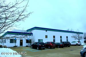 19015 E 14 Mile Road, Clinton Twp, MI 48035