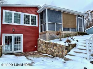 5404 Birch Haven Drive, Mecosta, MI 49332