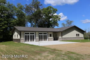 12168 Dutch Settlement Road, Marcellus, MI 49067