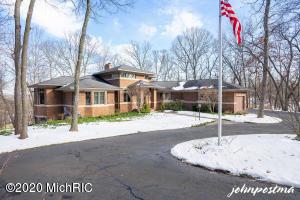 4166 Mystic Oak Court NE, Grand Rapids, MI 49525