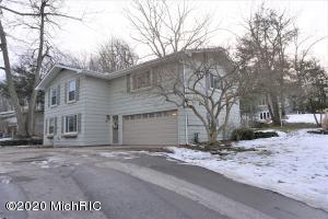 36 Highland Avenue, Hillsdale, MI 49242
