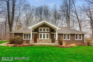 6657 W Lake Lane, Sawyer, MI 49125