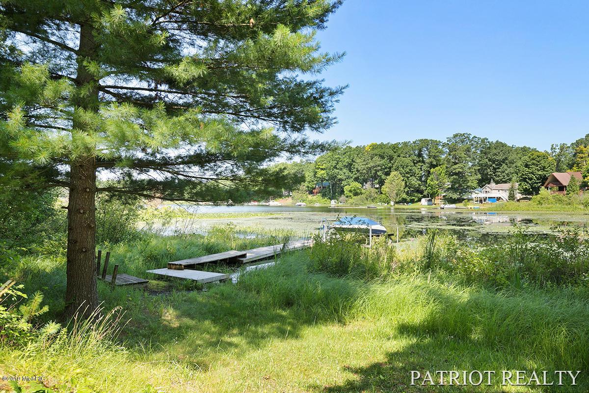 12121 N Lake