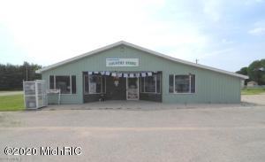 13629 N Cottonwood Avenue, Reed City, MI 49677