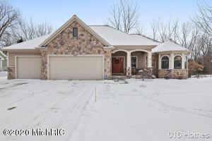 1664 Watermark Drive SE, Grand Rapids, MI 49546