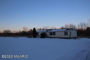 15450 Barber Creek Avenue, Kent City, MI 49330
