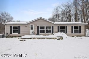 5783 Hatch Hollow, Lowell, MI 49331