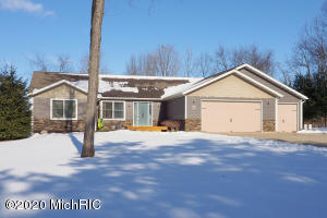 8583 Macywood Lane, Richland, MI 49083