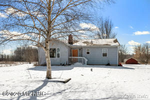 9420 19 Mile Road NE, Sand Lake, MI 49343