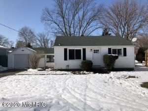 3703 Miramar Avenue NE, Grand Rapids, MI 49525