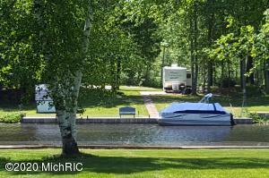 5148 S Birch Drive, Barryton, MI 49305
