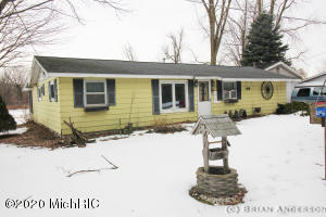 9291 E Colby Road, Crystal, MI 48818