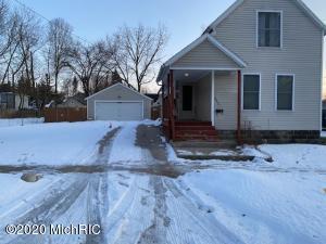 542 Carrier Street NE, Grand Rapids, MI 49505