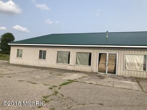 8037 E Carson City Road, Carson City, MI 48811