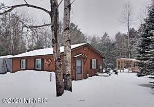 745 W Airpark Drive, Luther, MI 49656