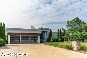 51015 Lake Park Drive, New Buffalo, MI 49117