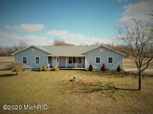 879 S ionia Road, Vermontville, MI 49096