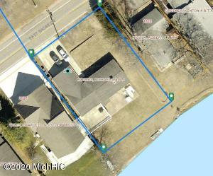 2630 E Shore Drive, Portage, MI 49002