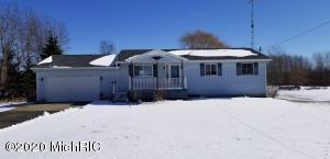 11725 N Meridian Road, Pleasant Lake, MI 49272