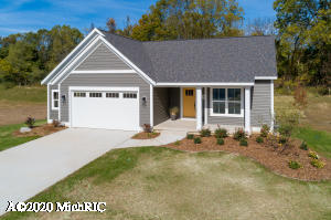 This is a beautiful built brand new ranch style home by highly respected Mairer Homes. The open kitchen includes stainless steel appliances, Quartz counter tops, walking pantry,  a large center island complete with stool seating and sink.  Main level also features also features conveniently located dinning area, family room, owner suite with private bathroom, walking closet and utility room.  Extras included are 2.5 stall garage Landscaping, Underground Sprinkling, and Air Conditioning .   You will notice the quality through out this home.