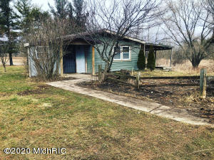 5990 W Muskrat Road, Sheridan, MI 48884