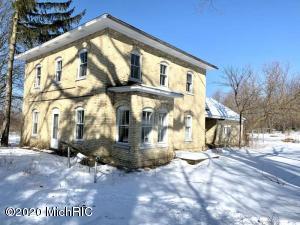 1924 N Wilson Road, Mears, MI 49436