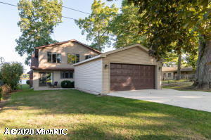 29542 Cedar Cove Court, Marcellus, MI 49067