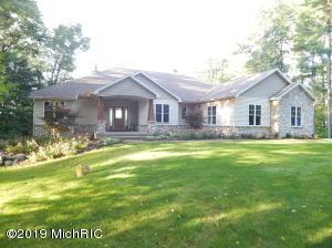4303 W Pine Bluff Drive, Grant, MI 49327