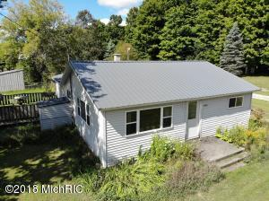 9240 S Young Road, Falmouth, MI 49632