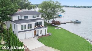 17409 Lake Beach Drive, Spring Lake, MI 49456
