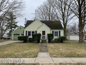 108 Paw Paw Street, Three Oaks, MI 49128