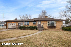 All brick ranch with great potential.  Living room with fireplace and bay window that overlooks beautiful Lamar Park.Large fenced yard and plenty of room In basement to add additional bedrooms & bath if desired.  Great investment opportunity.